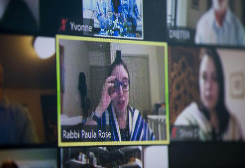 Un rabbin prend soin de ses paroissiens