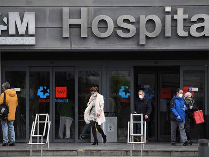 Entrada del Hospital de La Paz este 17 de marzo.