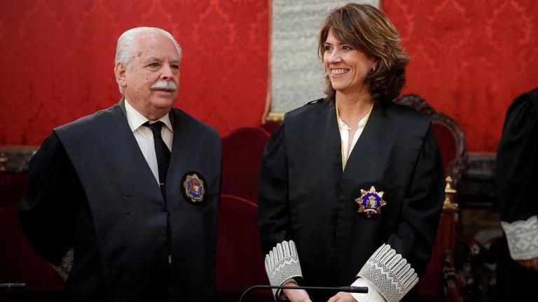 La fiscal general del Estado, Dolores Delgado, y el fiscal Luis Navajas Ramos durante el acto de toma de posesión de Álvaro García Ortiz.