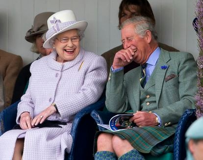 Elizabeth II and Prince Charles of England, in September 2012 during a ceremony in Braemar, Scotland.