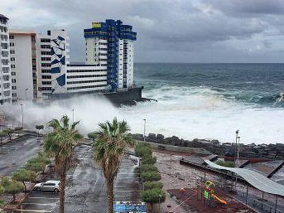 El mal tiempo del fin de semana no ha dejado daños personales pero ha obligado a la evacuación de viviendas en el norte de Tenerife
