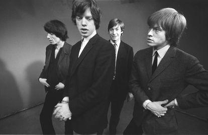 Bill Wyman, Mick Jagger, Charlie Watts y Brian Jones fotografiados en 1963.