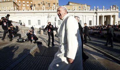 El papa Francisco llega al Vaticano el 17 de diciembre, cuando cumplía 78 años.
