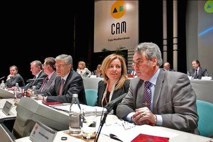 Los dirigentes de la CAM, ayer, durante la asamblea.