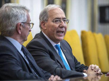 Alejandro Tiara vicepresidente de la Crue y Roberto Fernández Presidente de la Conferencia de Rectores de las Universidades españolas.