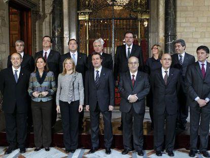 El nuevo equipo del Gobierno catalán presidido por Artur Mas.