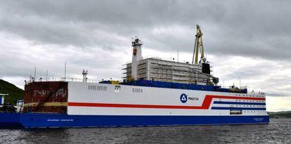 El 'Académico Lomonósov', el pasado junio en el puerto de Múrmansk.