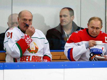 Putin (derecha) y Lukashenko, el 7 de febrero en Sochi.