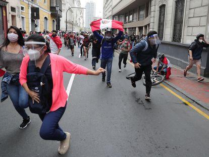 Protestas en el centro de Lima, este martes.