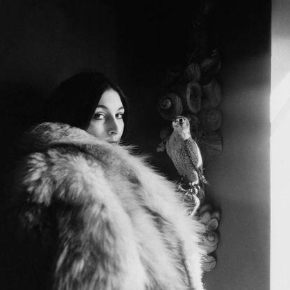 Anjelica Huston fotografiada por Arnaud de Rosnay en 1968 para Vogue.