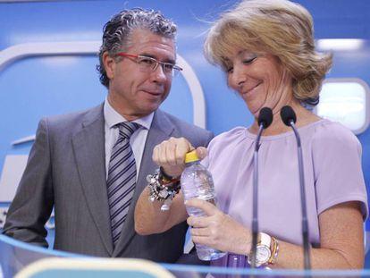 Francisco Granados y Esperanza Aguirre, en una imagen de 2011.