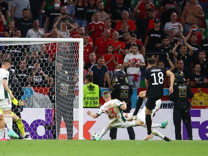 Goretzka, en el momento de marcar el segundo tanto para Alemania.