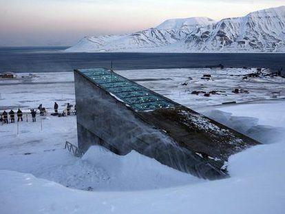 El silo que alberga 100 millones de semillas en Svalbard (Noruega).