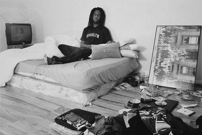 El músico Robert Glasper, en su habitación.