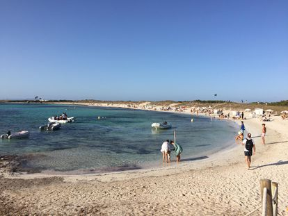 La playa de Ses Illetes en Formentera (Baleares).