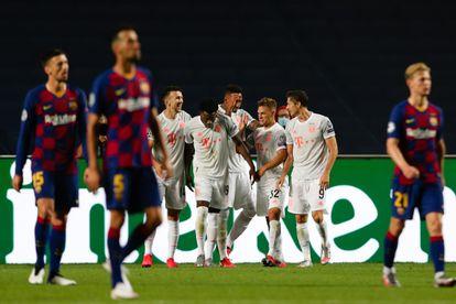 Los jugadores del Bayern celebran la goleada.