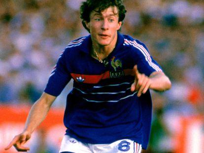 Luis Fernández, en un partido de la Eurocopa de 1984 con Francia. GETTY