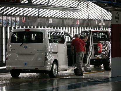 Planta de montaje de la furgoneta electrica NV200 en las instalaciones de Nissan.