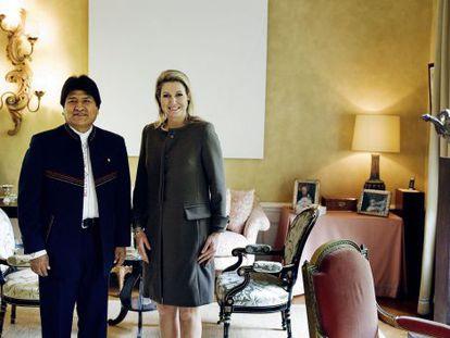 La reina Máxima de Holanda recibe a Evo Morales hoy en su residencia.