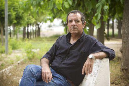 Javier Ayza, enfermo de hepatitis C, está a la espera del tratamiento.