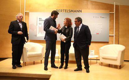 Presentación del libro de estilo de la cadena SER con Alex Grijelmo, Vicente Jiménez, Elvira Lindo, y Augusto Delkader.