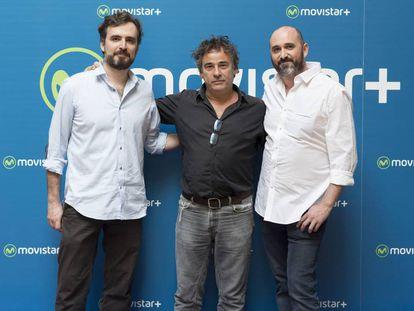 Alberto Sánchez-Cabezudo, Eduard Fernández y Jorge Sánchez-Cabezudo en la presentación de 'La zona'.