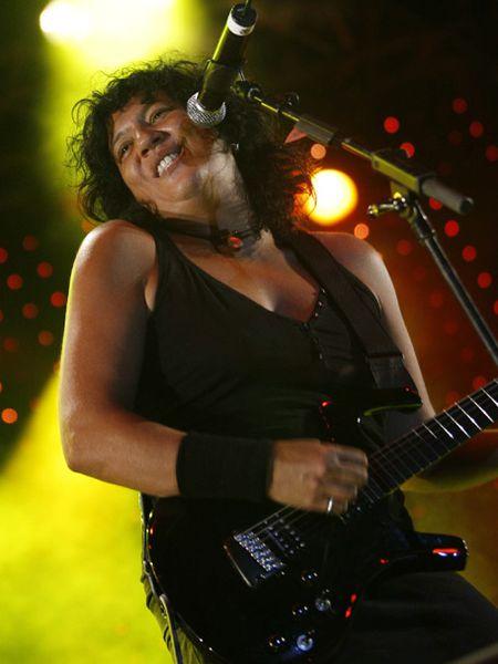 Rosana Arbelo, en un momento de su concierto en el Palacio de Deportes.