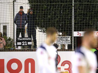 La figura de cartón de Jurgen Klopp en el Rossett Park durante el partido de Copa entre el Marine y el Tottenham.
