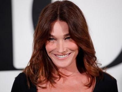 La cantante y ex primera dama francesa Carla Bruni durante la reciente Semana de la Moda en París
