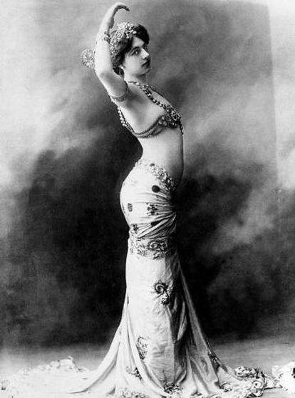 La bailarina y espía Mata-Hari.
