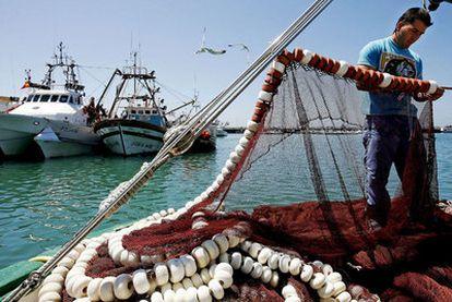 Imagen de archivo de la flota pesquera del puerto de Barbate, en Cádiz.