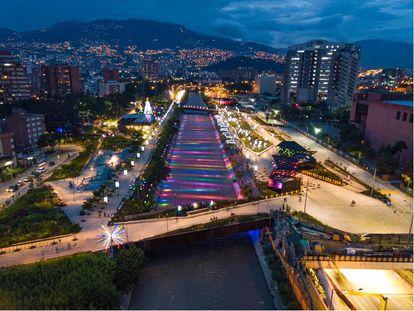 """Imagen del resultado del proyecto """"Parques del Río Medellín"""" ."""