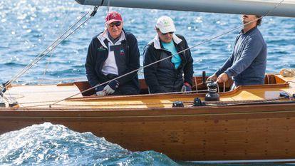 El rey Juan Carlos, en un entrenamiento de la flota 6mR hace dos años en Sanxenxo.