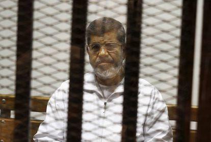 Mohamed Morsi, en un juzgado de El Cairo en 2014.