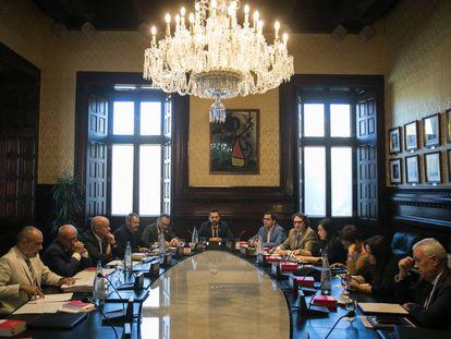 Roger Torrent encabeza la reunión de la mesa la semana pasada.