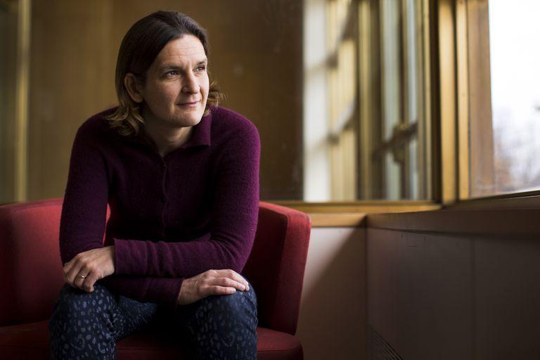 La Premio Nobel de Economía Esther Duflo posa en el MIT el pasado 12 de marzo.