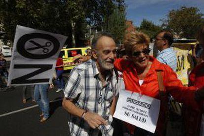 El médico Luis Montes en la manifestación por los derechos de los inmigrantes sin papeles.