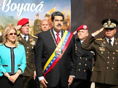 Nicolás Maduro, este miércoles en Caracas, con su esposa Cilia Flores.