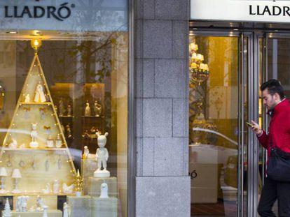 Escaparate de una tienda de Lladró en la calle Serrano de Madrid.