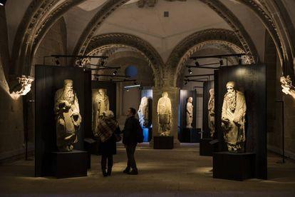 Exposición sobre el Maestro Mateo en el Pazo de Xelmírez (Santiago) que reúne las esculturas que van a ser declaradas BIC.