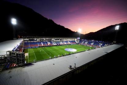 Vista del estadio de Ipurua durante el Eibar-Real Sociedad a puerta cerrada.