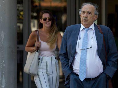Álvarez Conde, principal implicado en la trama, a su llegada este lunes a los juzgados.