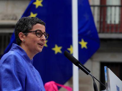Arancha González Laya interviene en un acto del Día de Europa, el 9 de mayo en la Plaza de la Villa de Madrid.