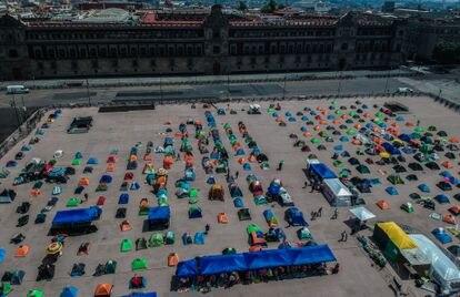 Aspecto del campamento de FRENA instalado en el Zócalo capitalino en octubre de 2020.