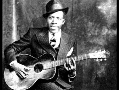 Robert Johnson (Misisipí, 1911- Misisipí, 1938), en una de las pocas imágenes existentes.