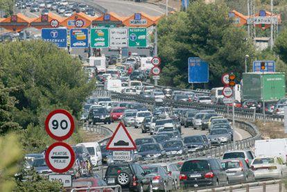 Atascos en la autopista AP-7 en Cataluña.