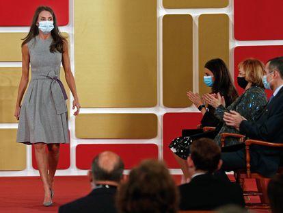 La reina Letizia tras el acto de entrega de los Premios Rei Jaume I, en Valencia.