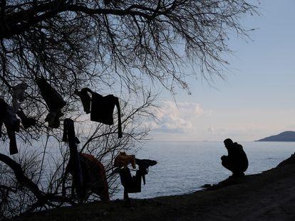 Un inmigrante en la Isla de Lesbos, el 6 de marzo pasado.