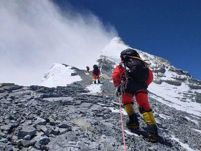 Una expedición en el Everest.