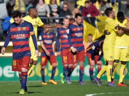 Messi, en primer plano, en el partido ante el Villarreal.